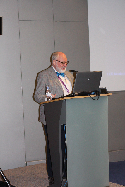 Dr. Glen Calderhead
